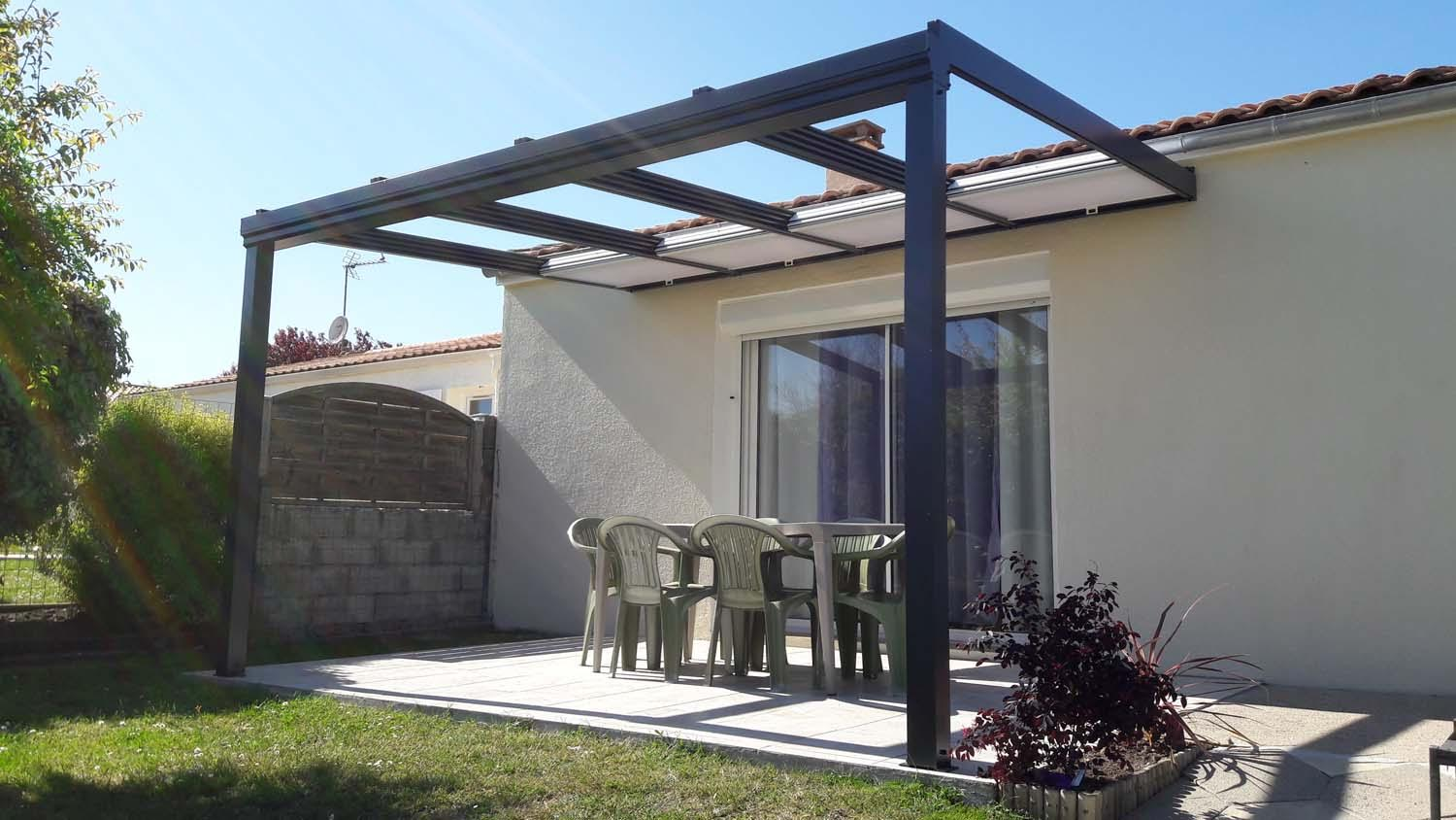 toit pergola cheap pergola aluminium sur mesure with toit pergola great pergola aluminium toit. Black Bedroom Furniture Sets. Home Design Ideas