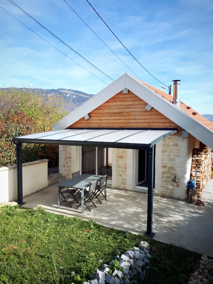 Abri de terrasse fixe aluminium et polycarbonate à Gex