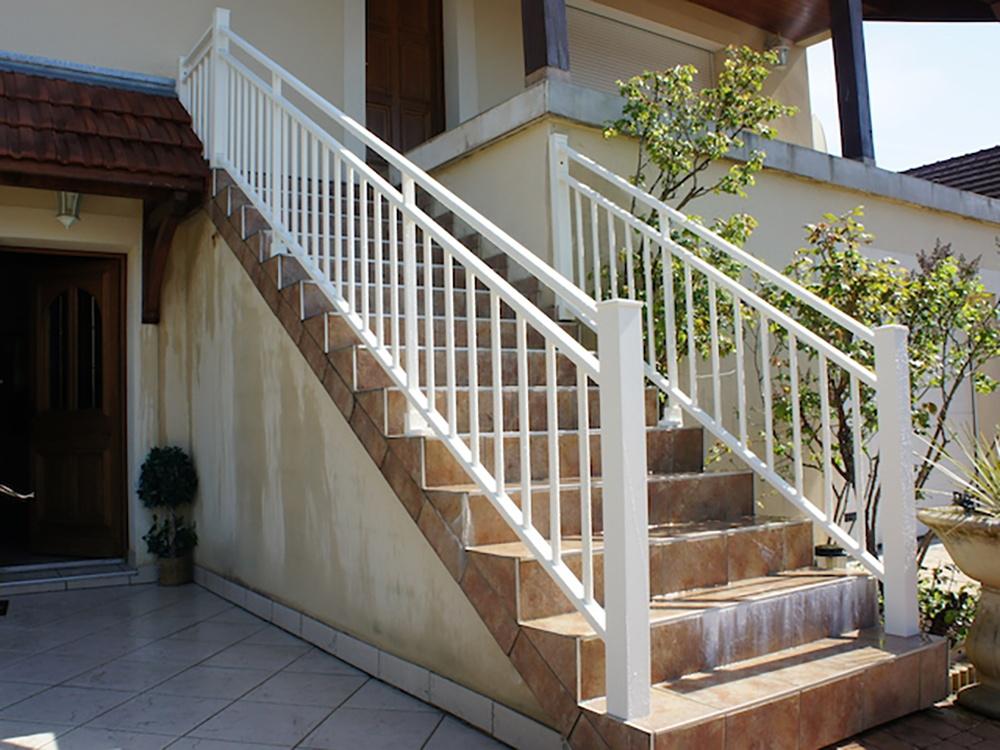 garde corps aluminium terrasse garde corps sur mesure anavi. Black Bedroom Furniture Sets. Home Design Ideas