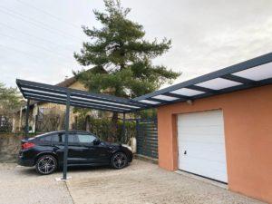 Intégration d'un carport et d'un auvent aluminium sur mesure à Besançon