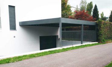 Un carport aluminium adosé à Lausanne en Suisse