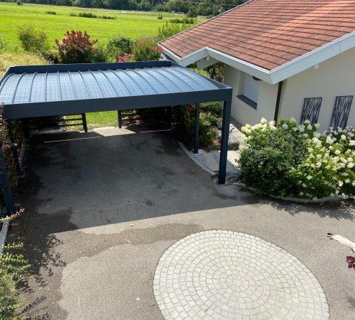 Carport aluminium à toit plat à Feigères