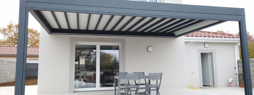 Pergola alu à toit rétractable sur mesure à Villefranche