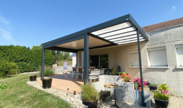 Pergola bioclimatique à Besançon